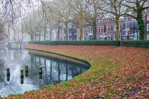 Along Catherijnesingel (Utrecht)